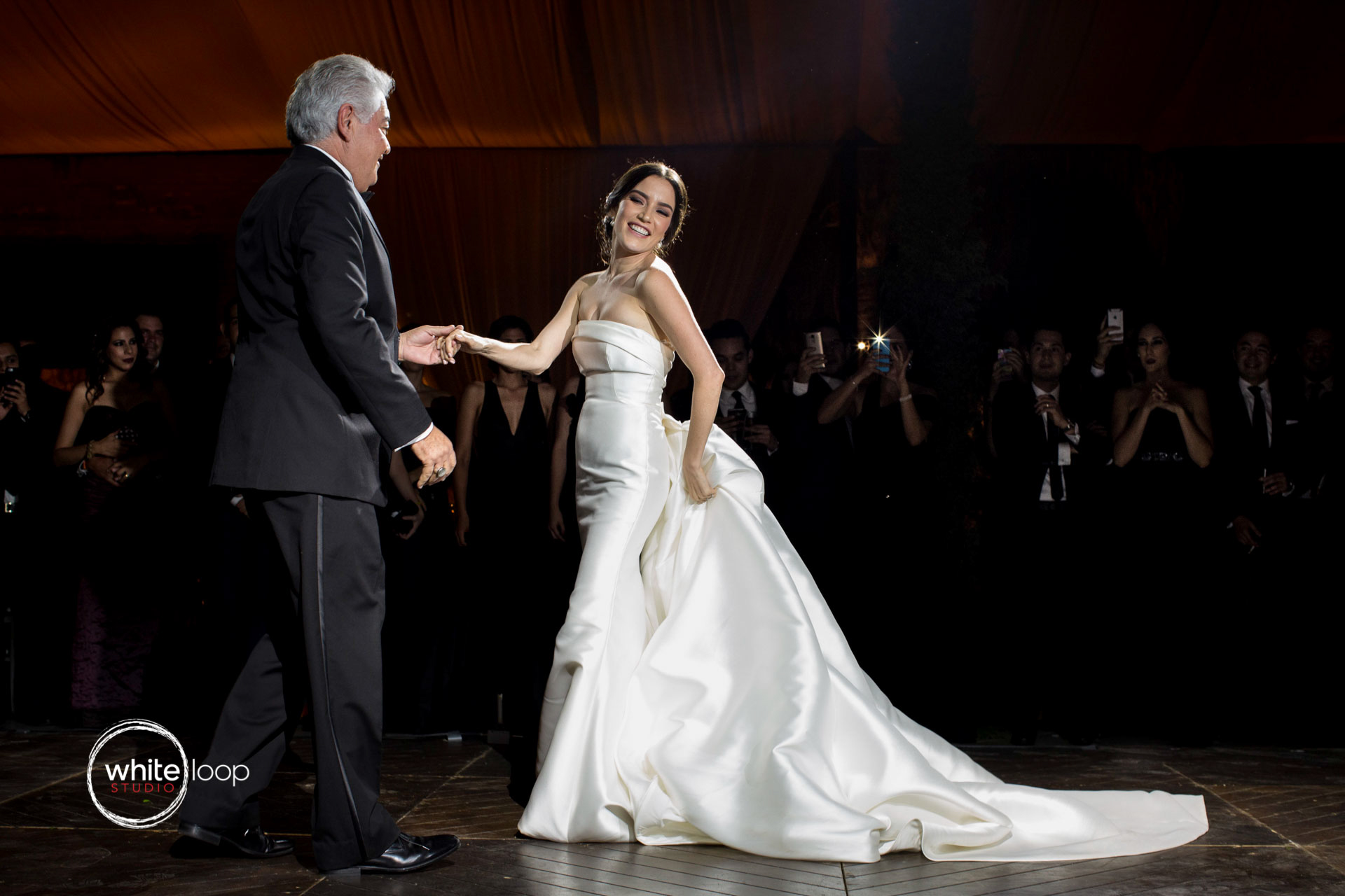 Marisol and Jorge, Wedding in Guadalajara, The bride dance dance with the father