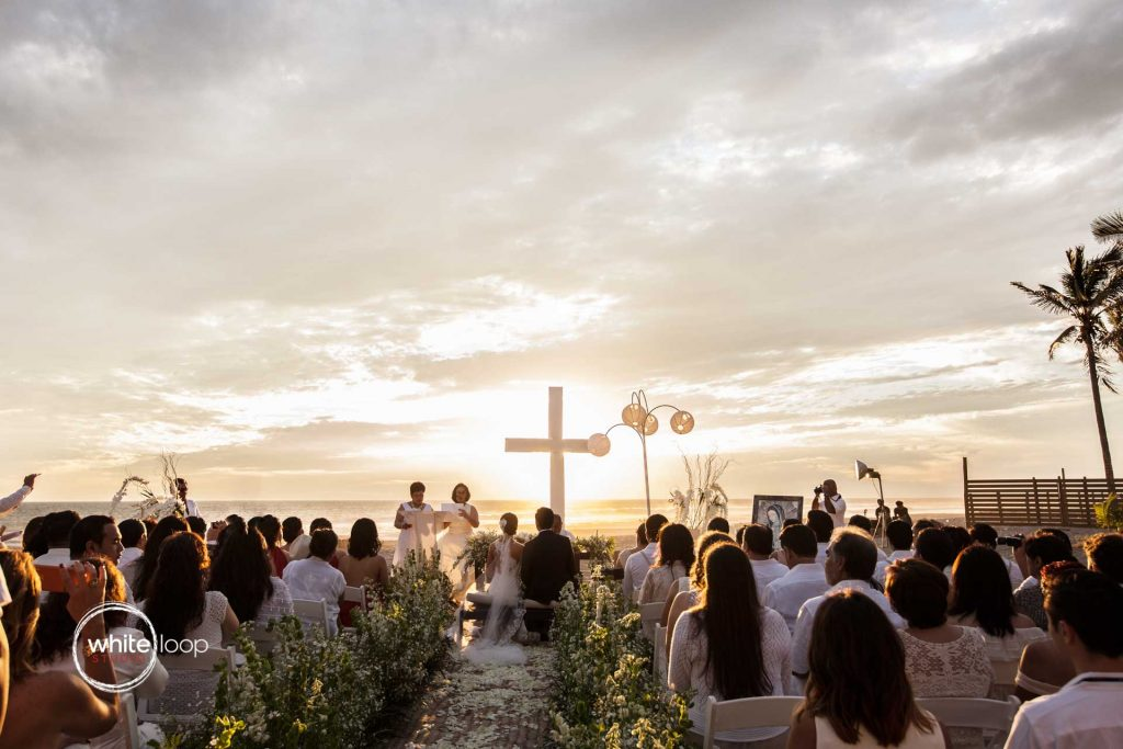 Vero and Misael - wedding on the beach ceremony - Acapulco, Mexico
