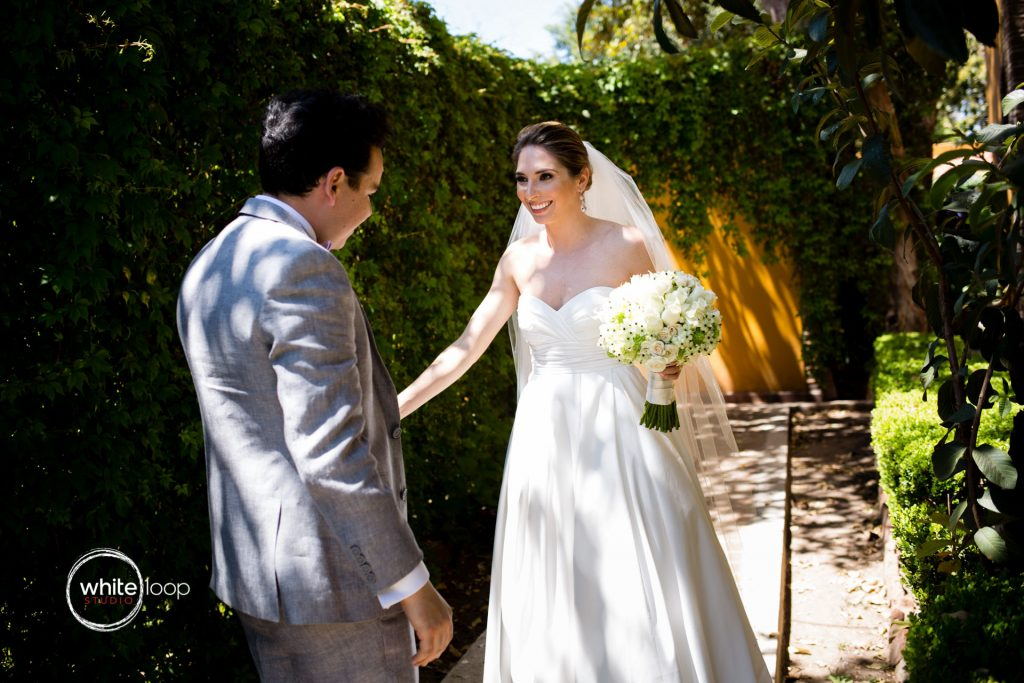Mariana and Diego Wedding in Quinta San Carlos, First Look