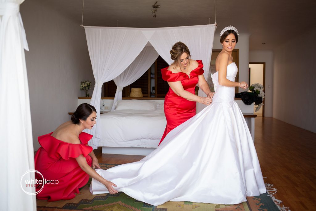 Mariana and Gabo Wedding in La Vita Bella Resort, Ajijic, Getting ready